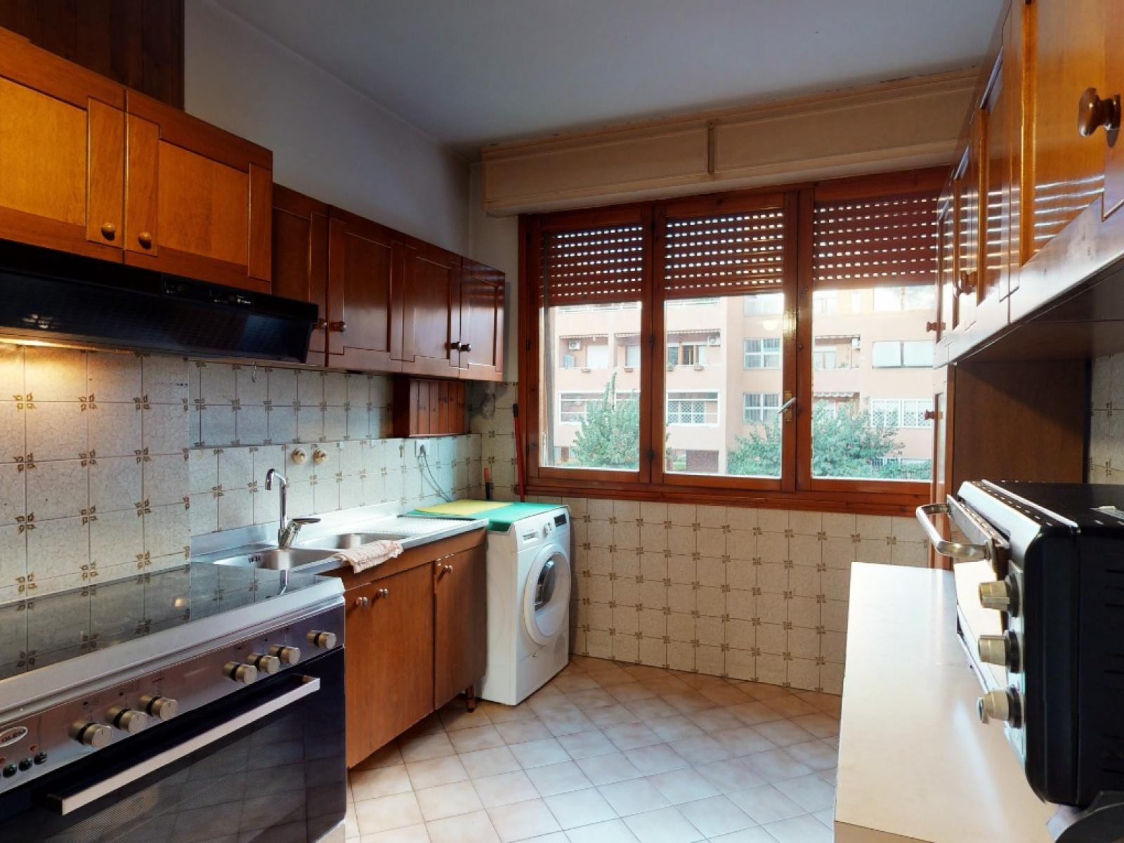 In vendita Quadrilocale Zona Laurentina Montagnola Roma   Cucina