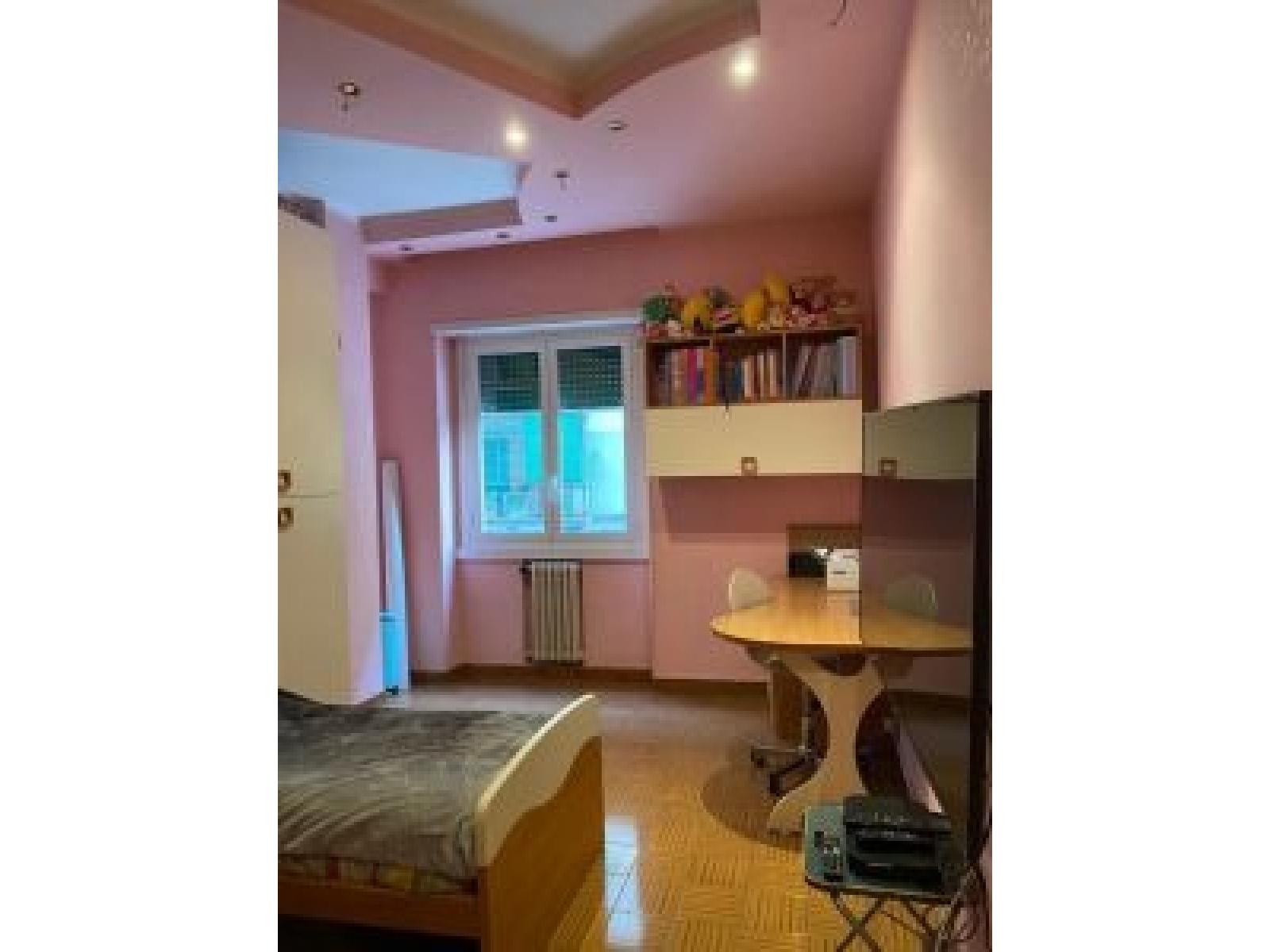 appartamento in vendita Piazza della Radio zona Marconi Cameretta
