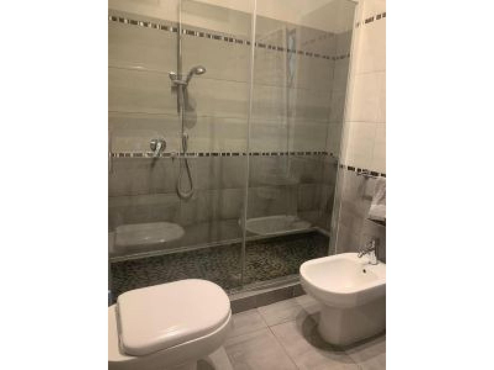 appartamento in vendita Piazza della Radio zona Marconi Bagno particolare della doccia