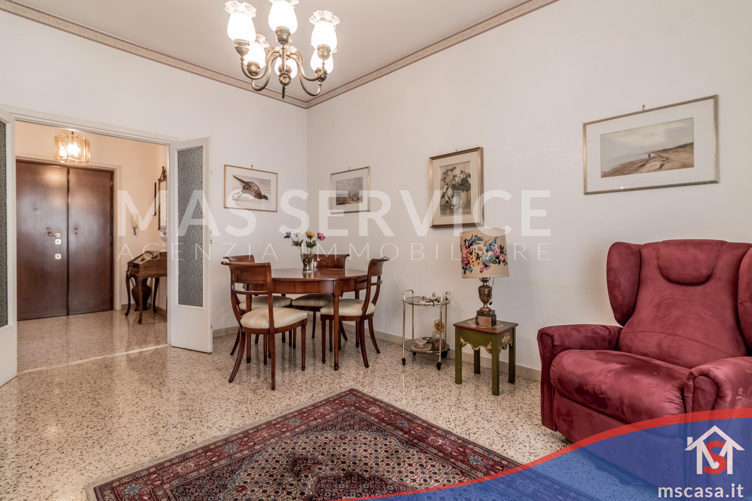 Trilocale in vendita zona Montagnola a Roma Soggiorno