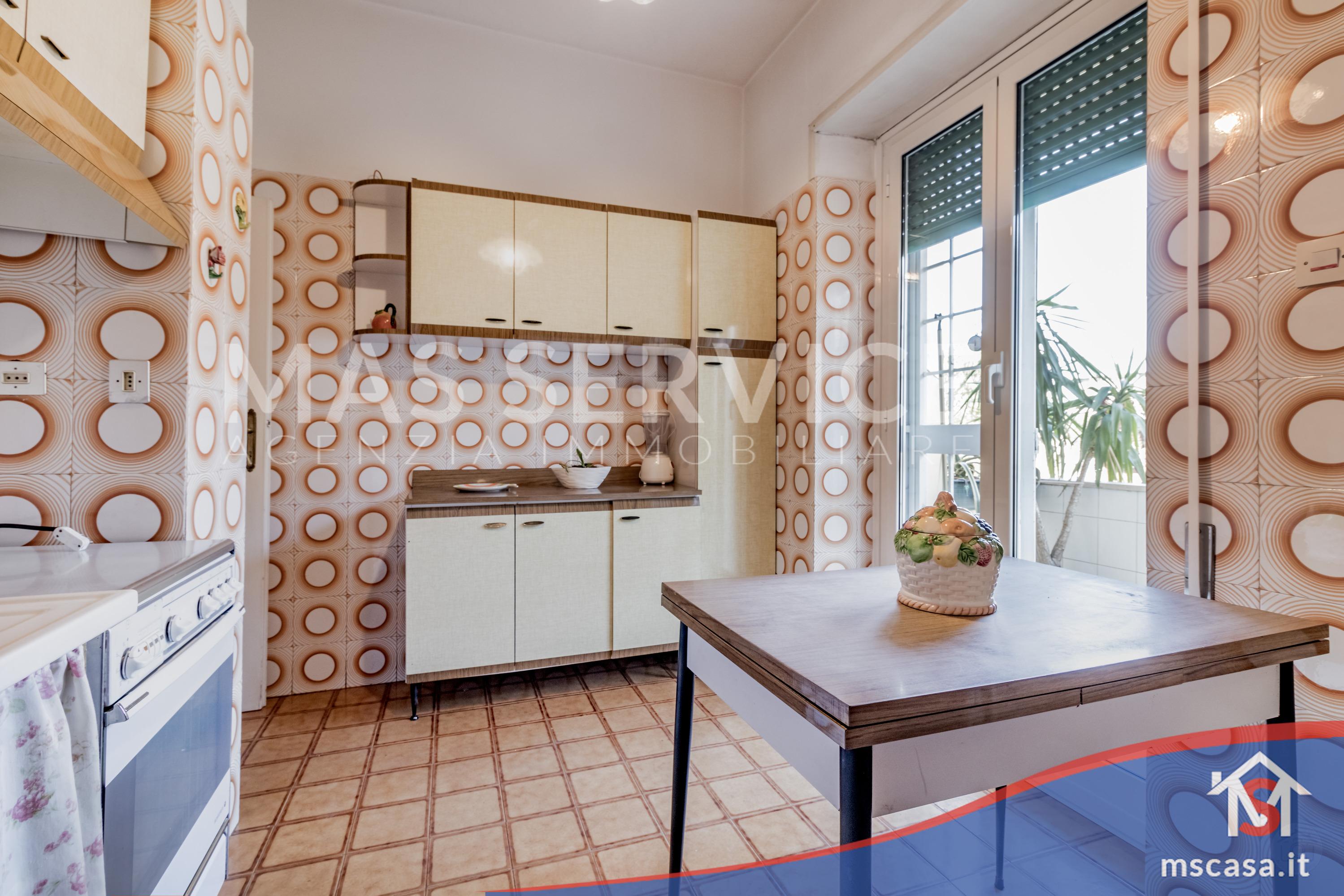 Trilocale in vendita zona Montagnola a Roma Cucina altra Angolazione