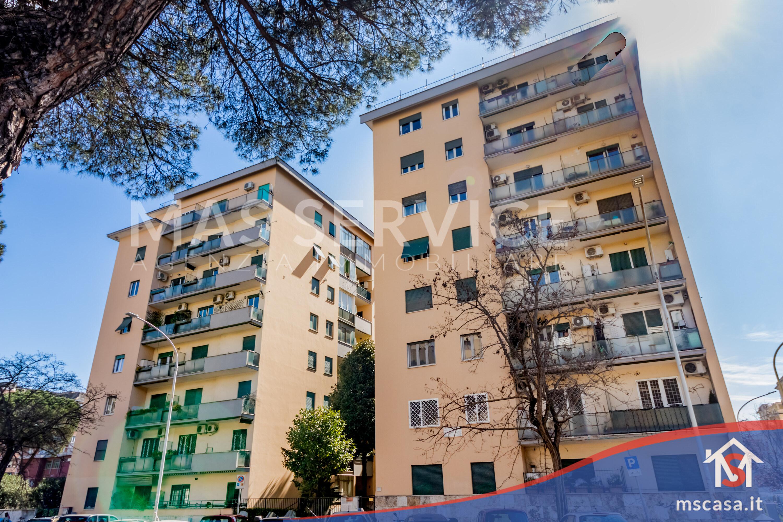 Trilocale in vendita zona Montagnola a Roma Ingresso Stabile