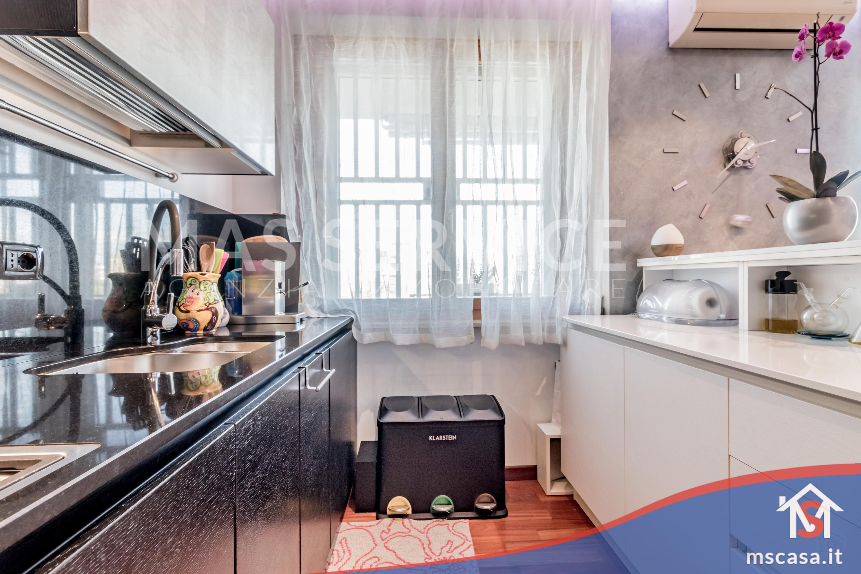 Trilocale in vendita zona Torrino a Roma Vista Cucina