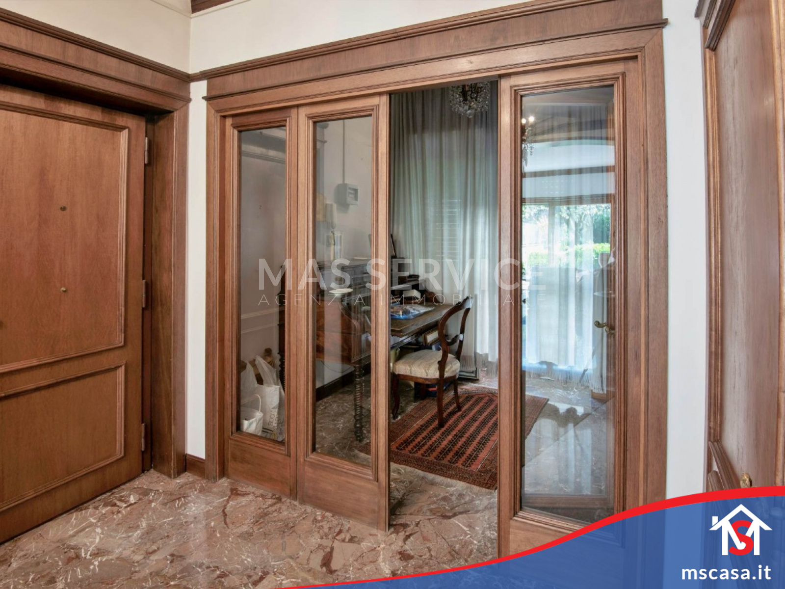 Quadrilocale in vendita zona Laurentina a Roma Vista  Studio da ingresso