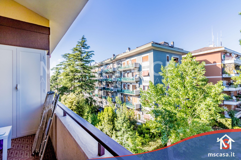 Bilocale in vendita zona Mostacciano a Roma Vista Balcone Affaccio